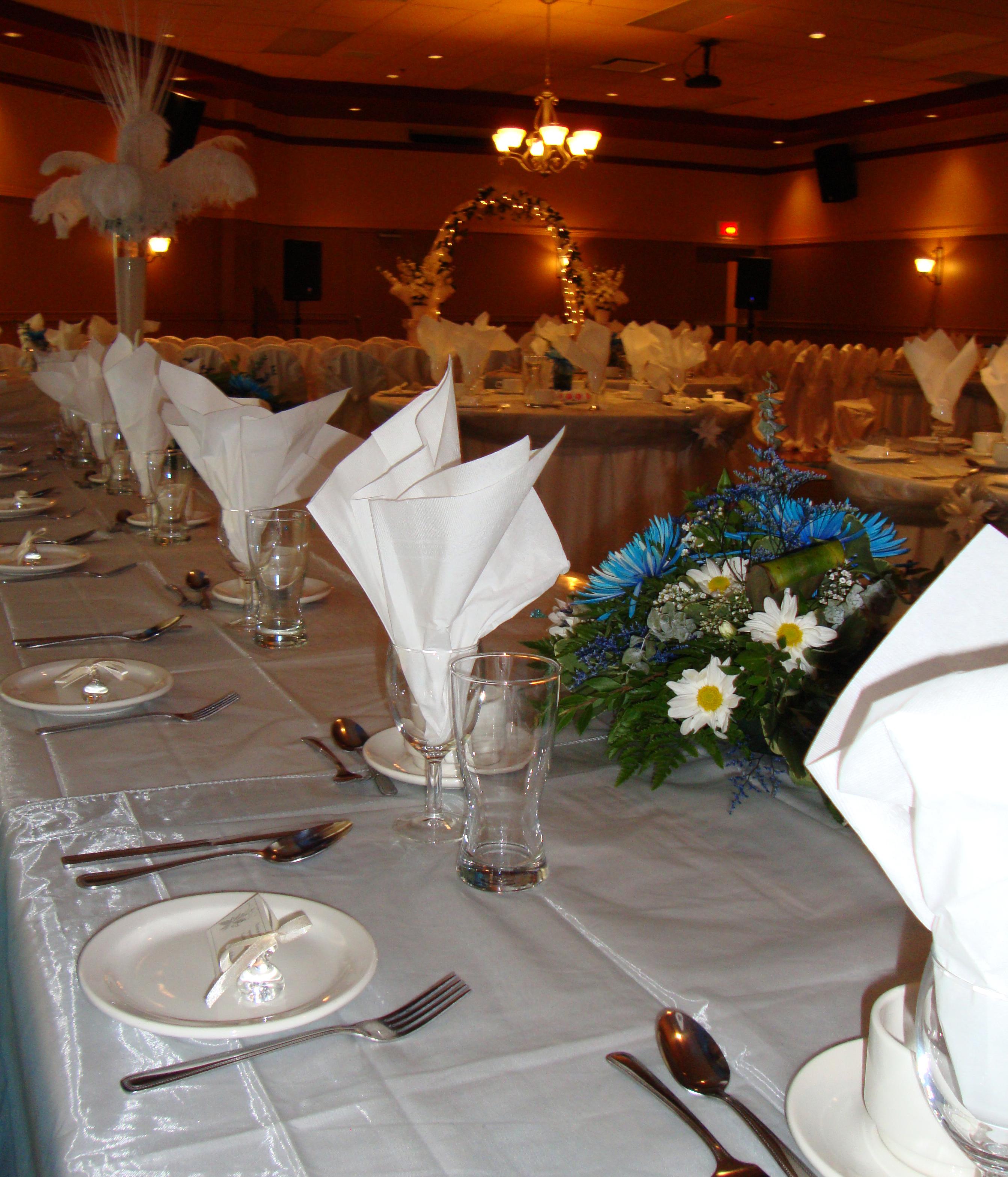 Phota Salle 1 Table Honneur